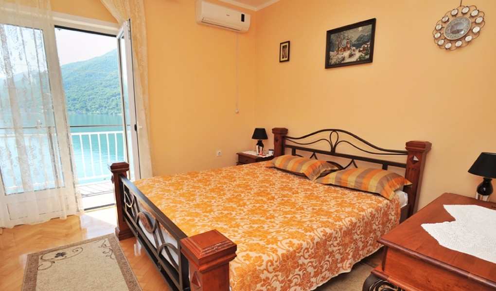 Accommodation in apartments - Morinj, Bay of Kotor